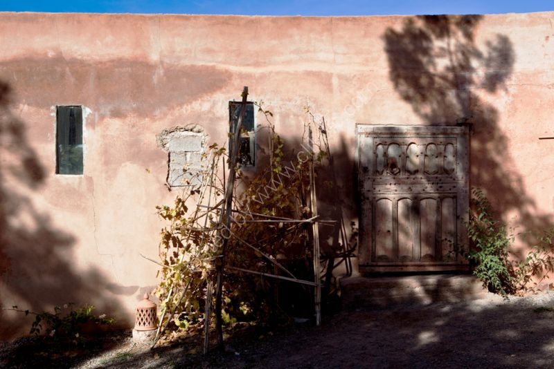 Wall & shadows