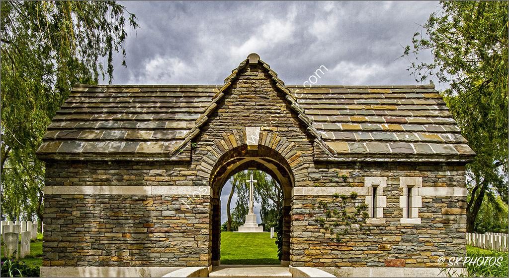 Le Trou Aid Post Cemetery, Fleurbaix, Pas de Calais.