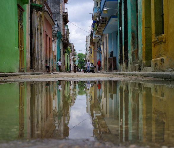 Cuban reflection