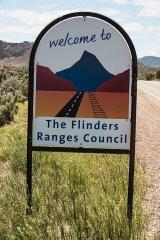 Flinders Ranges © Tom Benneyworth LRPS To see Flinders Ranges Video click here