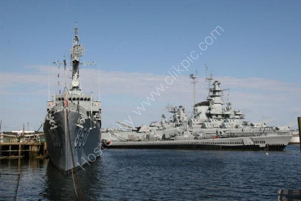 USS Joseph P. Kennedy, Jr. and USS Massachusetts