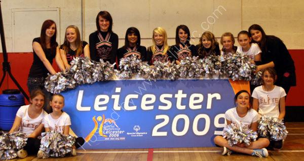 Basketball Cheerleaders 1