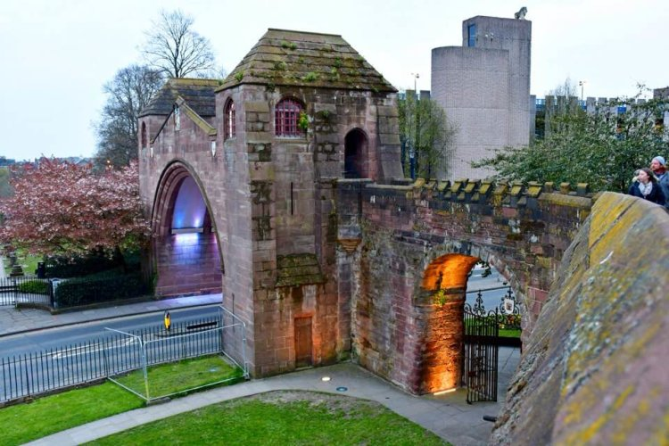 Chester City Walls, early evening - Bernie Crosbie