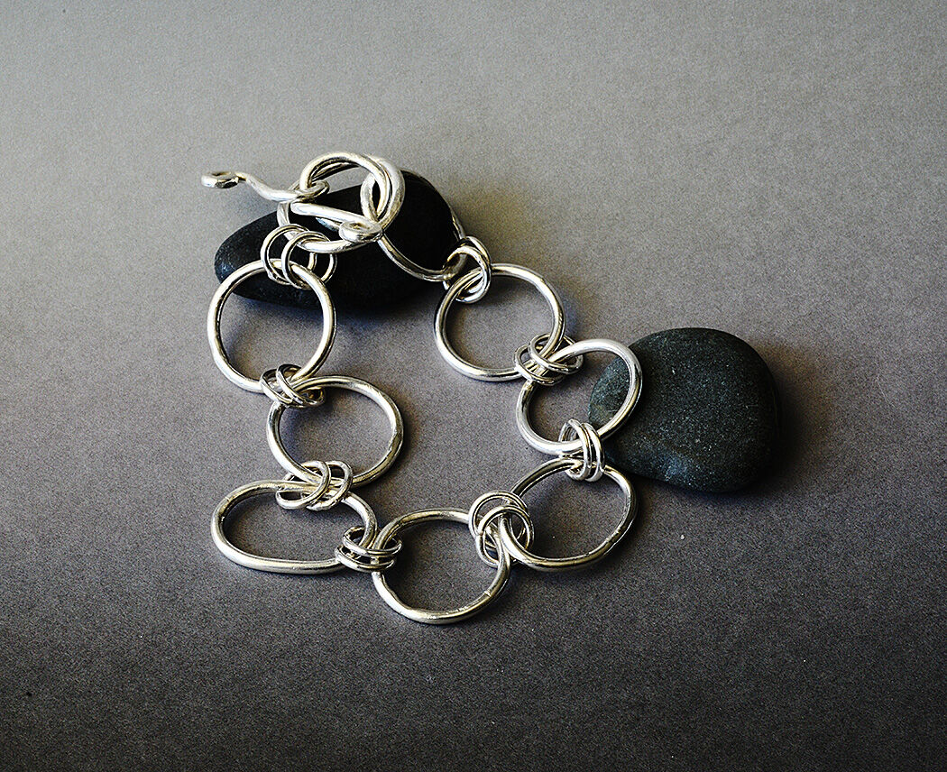 CB17009 - Sterling silver chain link bracelet.