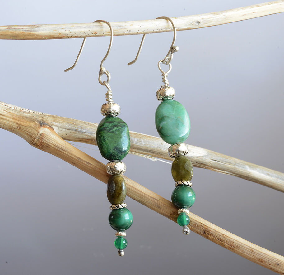 E18005 - 3 stones dangling earrings