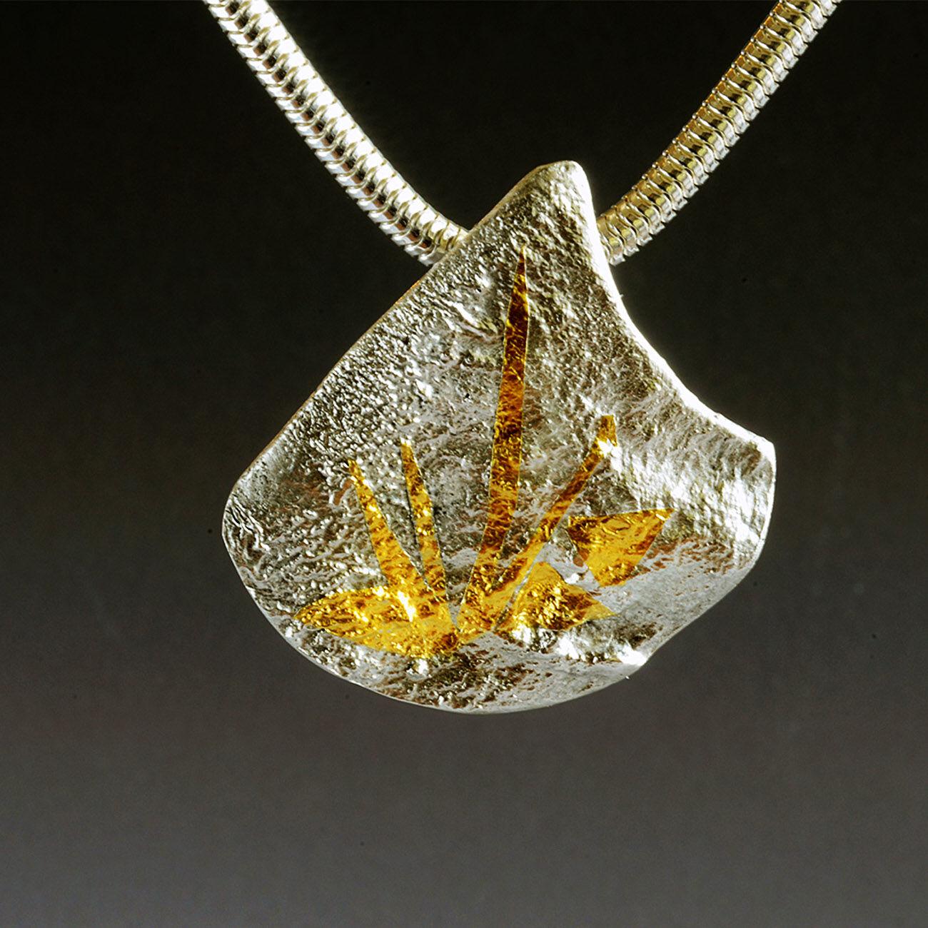 N18012 - Fire Mountain pendant