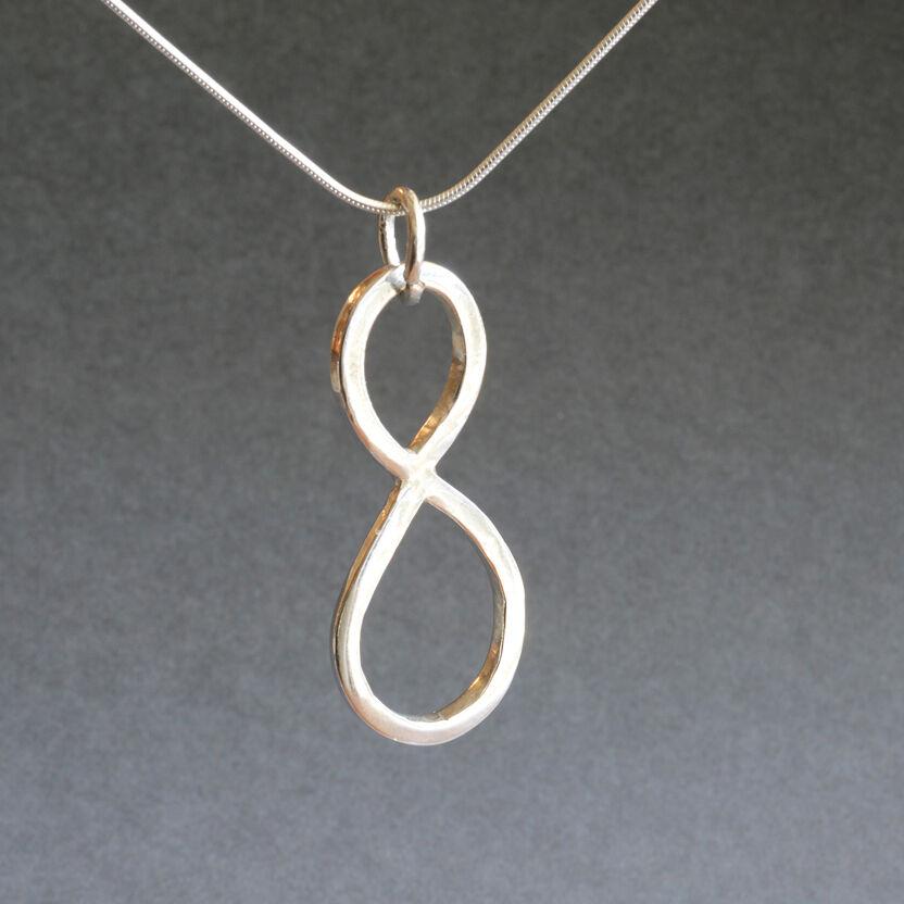 N180030 - Infinity symbol pendant
