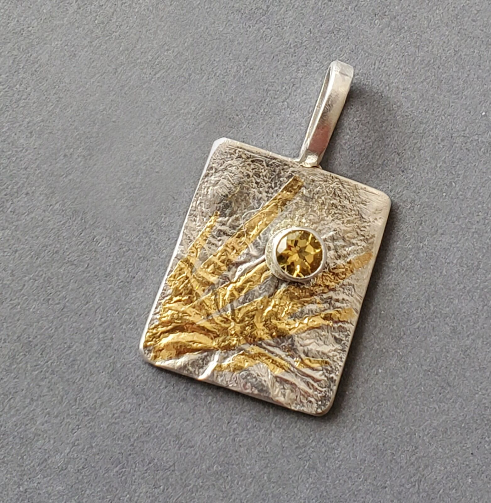 N19041 - Reticulated silver rectangle with 24 kt gold and citrine stone