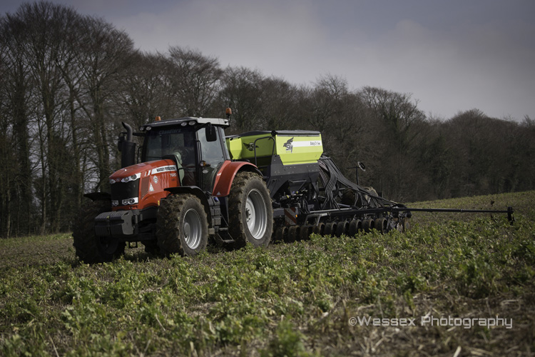 MF7620 with Sky drill
