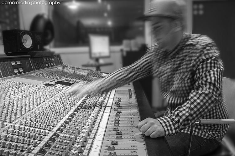 Studio 002