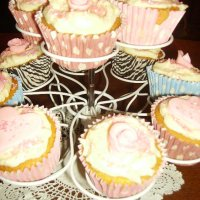 Cupcake stands available