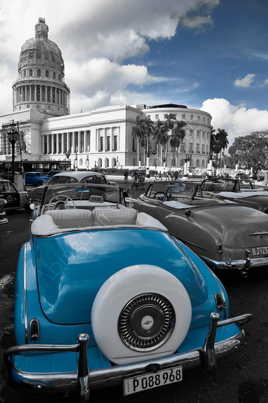 Blue and white in Havana