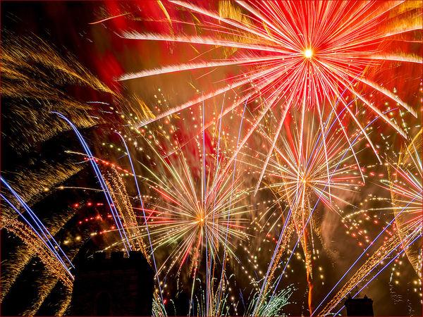 19/20 Fireworks over St Nick's Abingdon- Peter Delehar