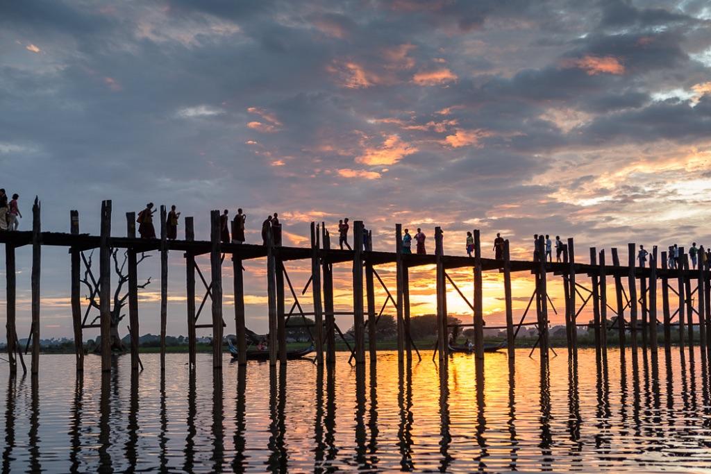 Sunset U Bein Bridge b