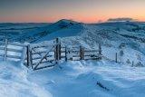 Snowy gate on the Great Ridge