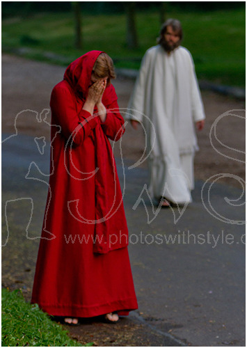Janet O'Neill as Mary Magdalene & Gottfried Schmidt as Jesus