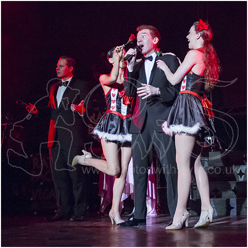 Roman Marek as Frank Sinatra, Wayne Kennedy as Dean Martin with Vegas Showgirls