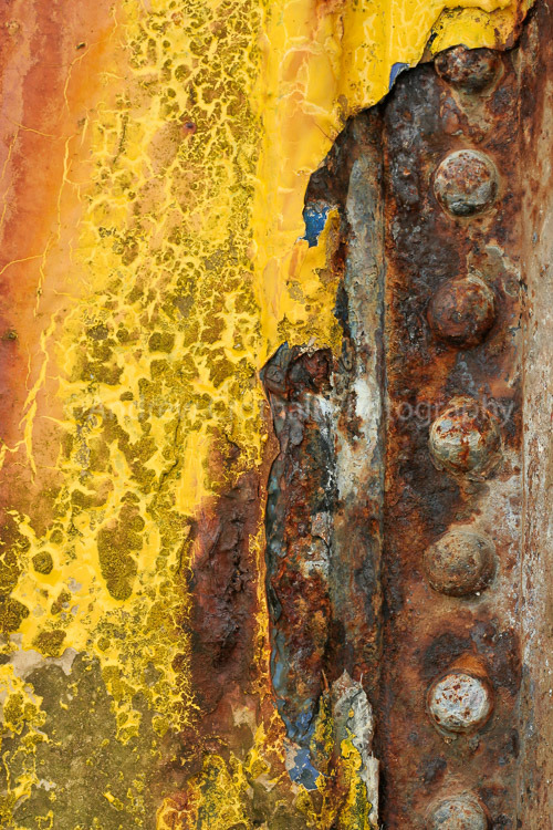 The colours of decay
