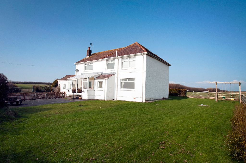 Kidwelly-Farm-Holiday-Cottages-(5)