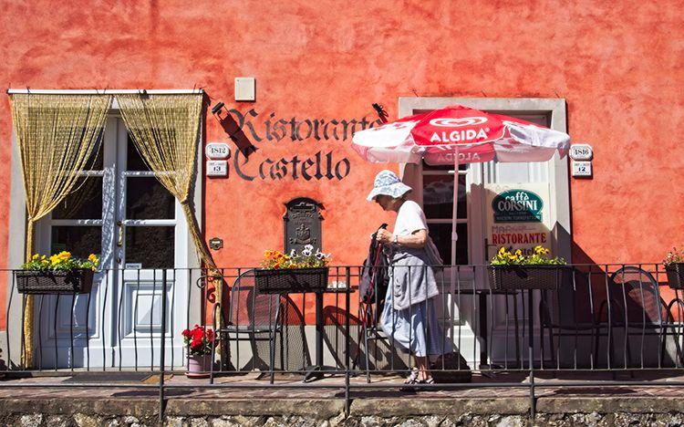 005 Fibbiano  (Castello) - Restaurant