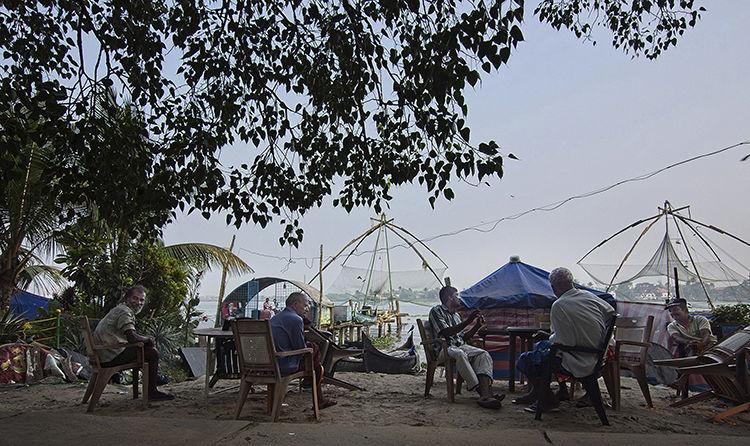 Cochin fishermen and Chinese fishing nets