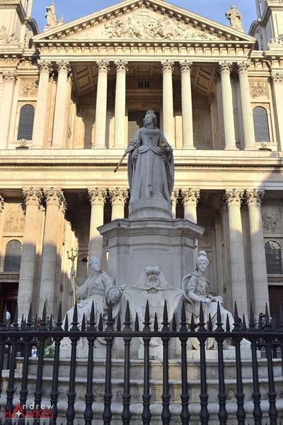 Queen Anne Statue