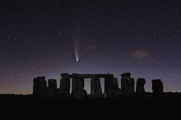 Stonehenge comet Neowise