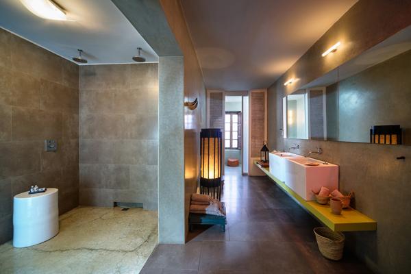 Riad Due bathroom