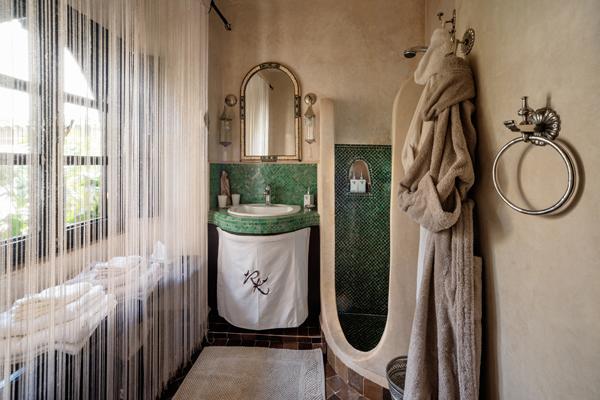 Riad Kheirredine bathroom