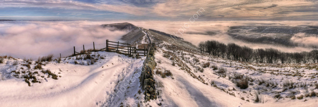 peak district photo  Mam Tor from Lords seat winter