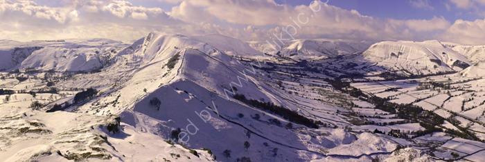 peak district photo:Mam tor morning winter