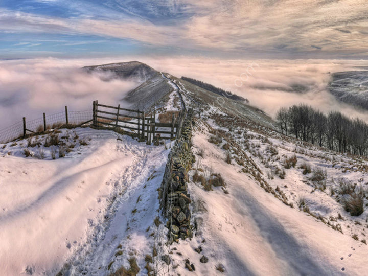 peak district photo mam tor winter