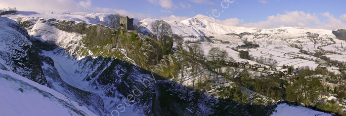 peak district photo:Peveril castle winter