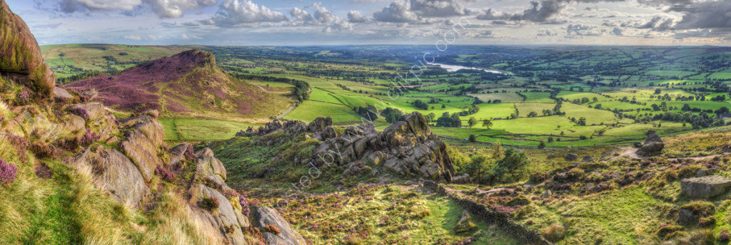 peak district photo The Roaches summer