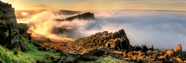peak district photo: The Roaches mist