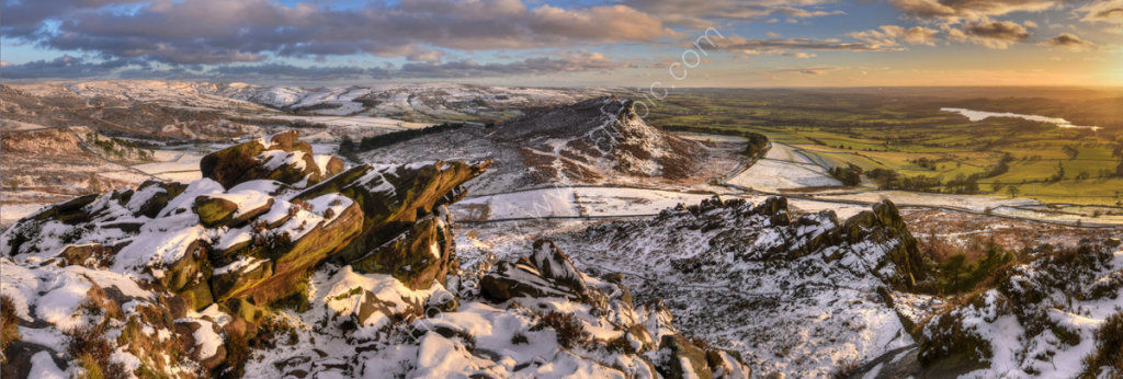 peak district photo The Roaches  winter