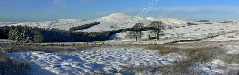 peak district photo:Shutlingsloe winter