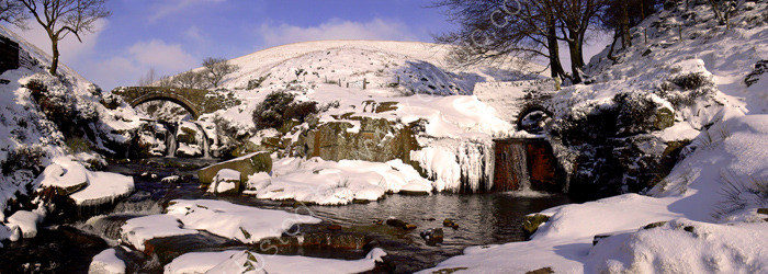 peak district photo:Three shire heads winter