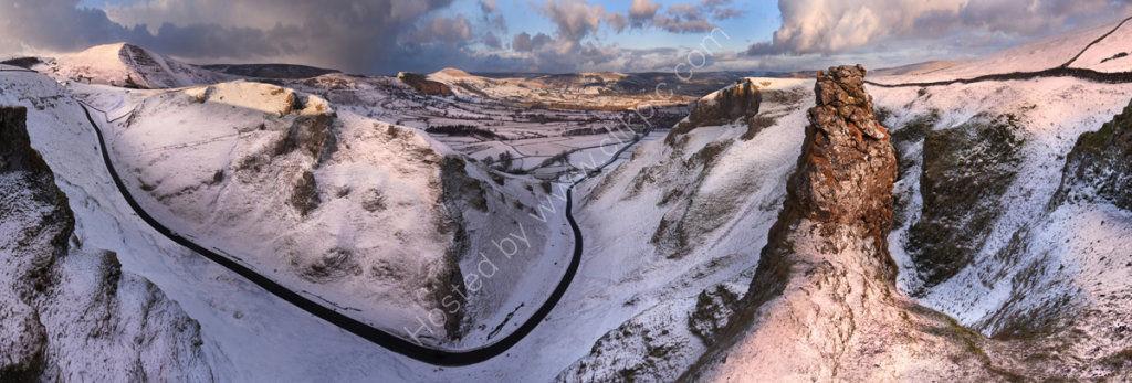 peak district photo Winnats pass winter