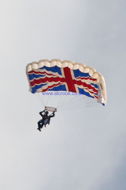 The Tigers - The Princess of Wales's Royal Regiments Parachute Display Team