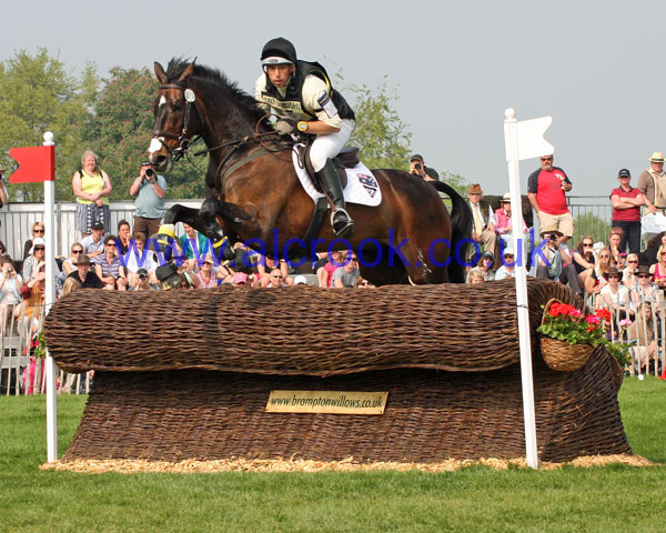 Sam Griffiths & HAPPY TIMES
