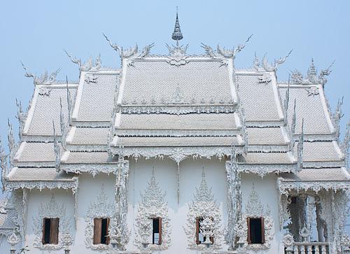 Wat Rongkoon white temple Chiang Rai