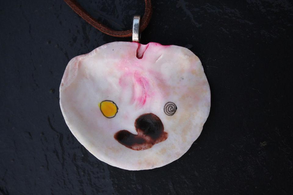 Shell pendant (6)