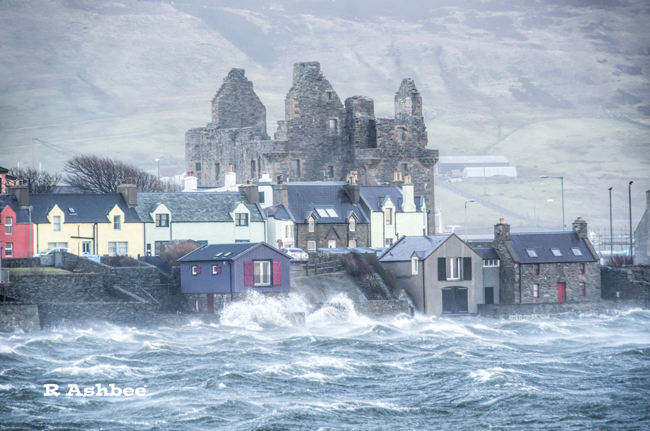 Storm Gertrude hits Scalloway