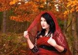 3rd Graeme Pattison : Lady in red