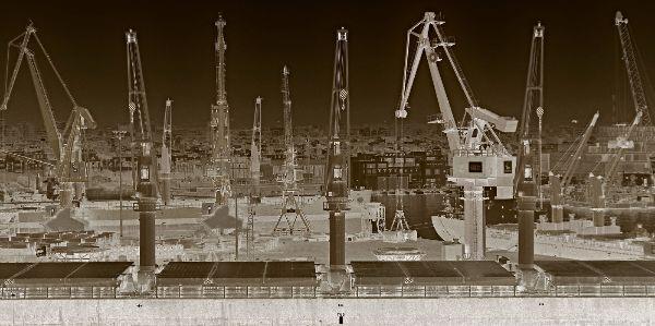 3rd Greg Perks : Casablanca Cranes