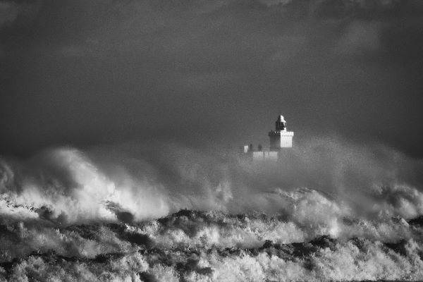 Com Coquet storm - Gavin Wallace
