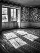 Com Lynn Kerr : Belsay Shadows