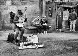 Com Street Performer : Lynn Kerr
