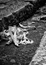 Com Thrown away - David Jones